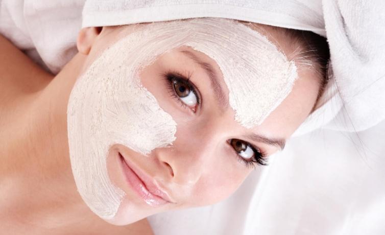 Süt maskesi nasıl yapılır sütlü ballı maya maskesini deneyin!